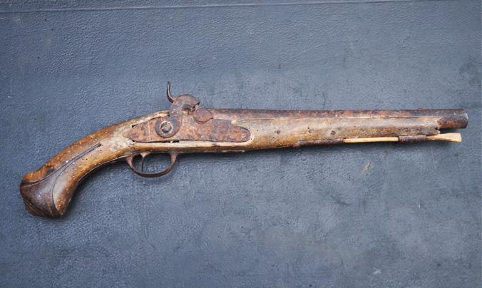 Ancien Pistolet retrouvé au Moulin de L'Ornière à Beaumont sur Sarthe